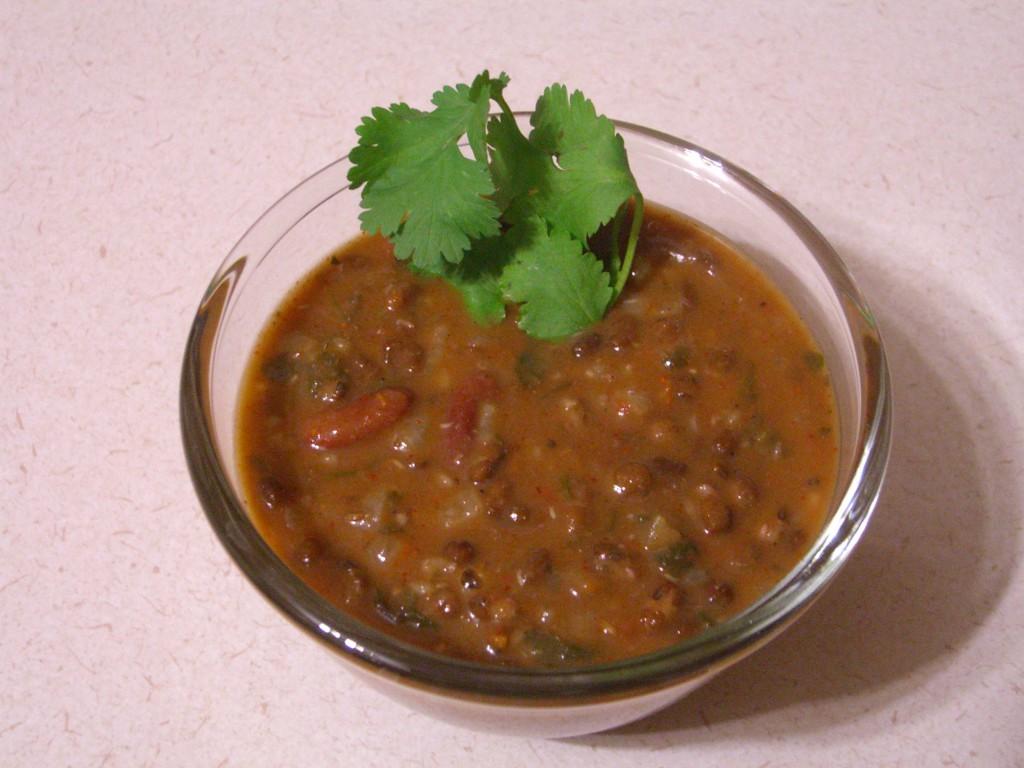 Дал Махани (Dal Makhani) - Пикантное индийское блюдо из черной чечевицы, перца чилли, красной фасоли - для любителей острых блюд. Стоимость заготовки 150р