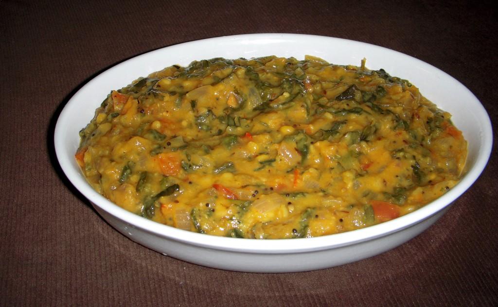 Дал Палак (Dal Palak) - среднеострое популярное индийское блюдо из чечевицы, томатов и шпината. Стоимость заготовки 150р