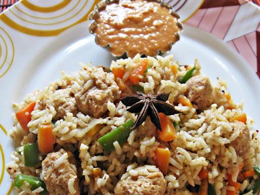 Пулао (Pulao) - традицонный индийский плов. По-индийски пряный, готовится из риса басмати. Стоимость заготовки масалы (подобранного набора специй - хватит на 0,5 кг риса) для пулао 100р.